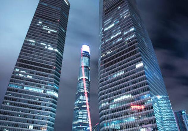 高达632米的上海中心大厦,刮风摆动幅度超一米